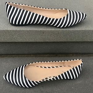 New EXPRESS black white striped flats shoes 9